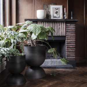 Ferm Living - Hourglass Large and Medium Pot - In Situ